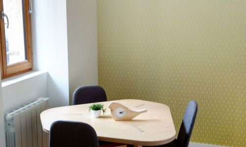 Meeting room for up to 3 people - Western Lyon