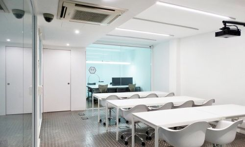 Coworking space with access to meeting rooms