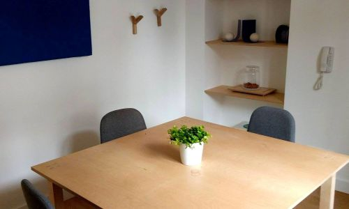 Meeting room up to 4 people near Lyon