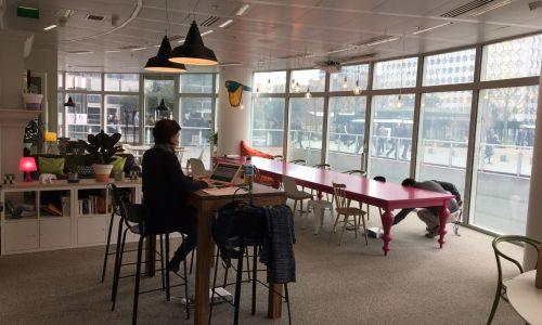 Privatización espacio coworking - La Défense