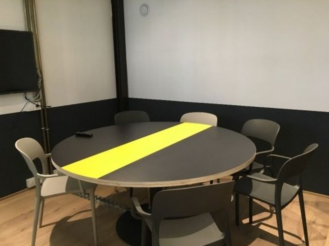 Meeting room for up to 7 people in Bastille