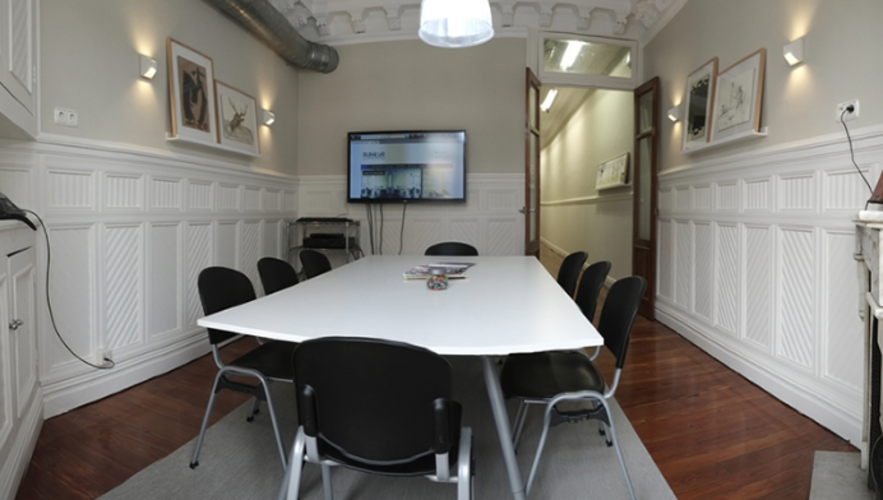 Sala de reunión centro de Barcelona - hasta 12 personas