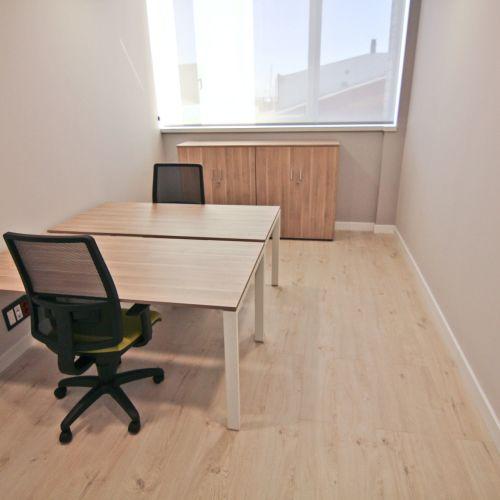 Bureau Prive Pour 2 Personnes Bureau 08302 Mataro Space