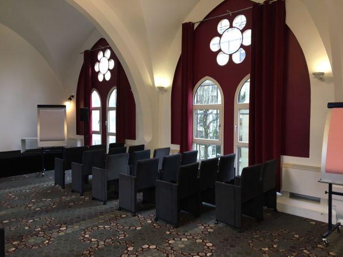 """Salle """"Théâtre"""" pour évènement privé ou corporate"""