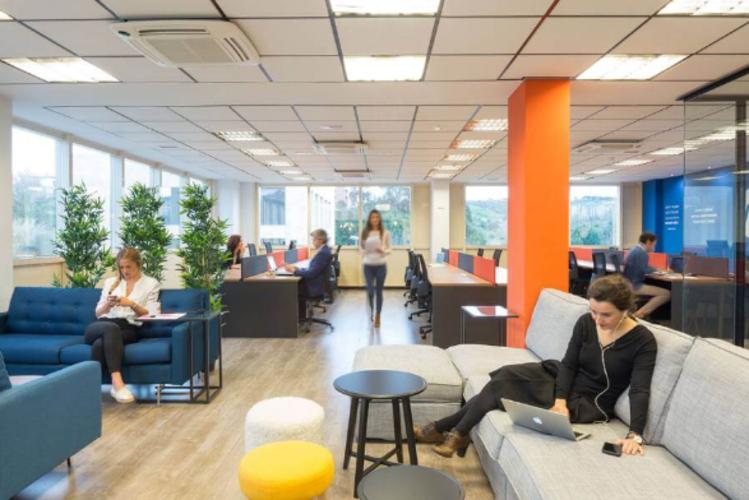 Espace de coworking privatisable dans un open space