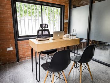 WORK-Private office for 2 in V.I