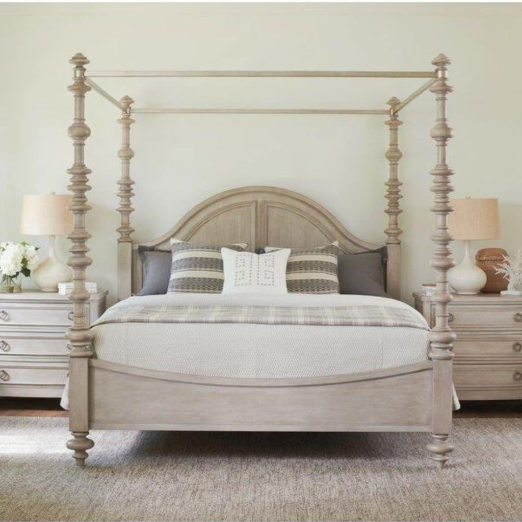 Wayfair, Canopy bed