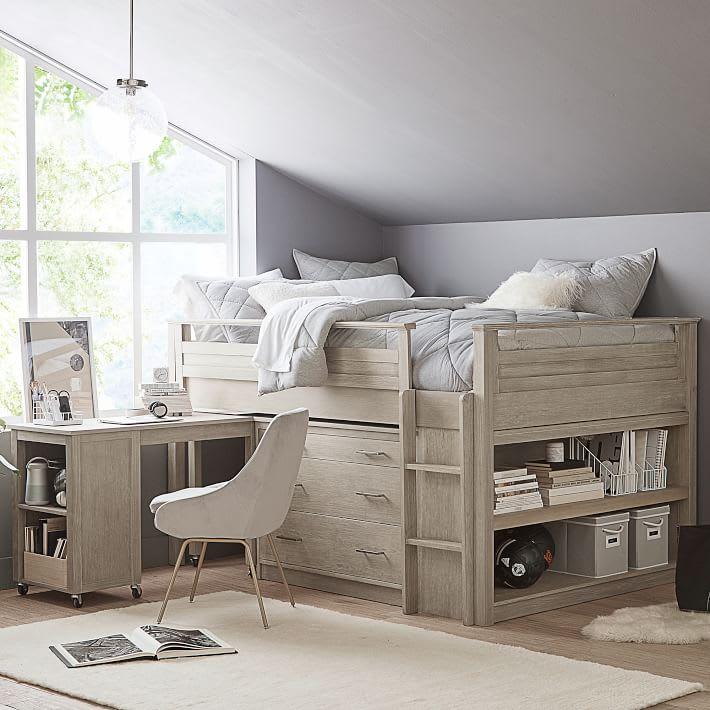 Bedroom desk set up
