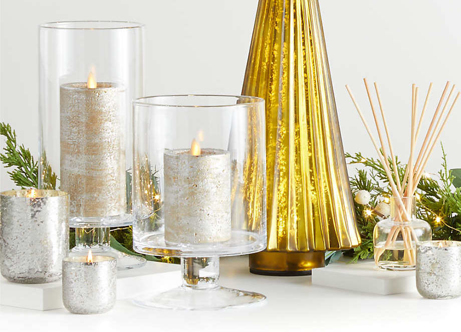 Metallic Holiday Candlelight Arrangement