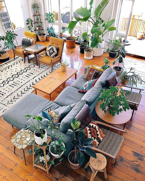 hollywood regency furniture