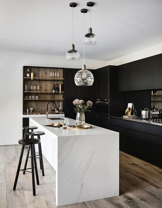 Monochromes kitchen decoration