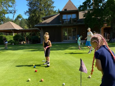 Kids golf lessons (up to 8 years)