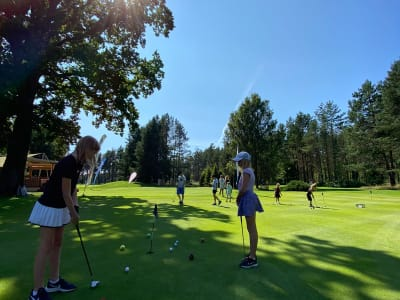 Individual golf lesson for children