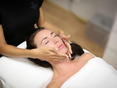 Chiroplastic facial massage
