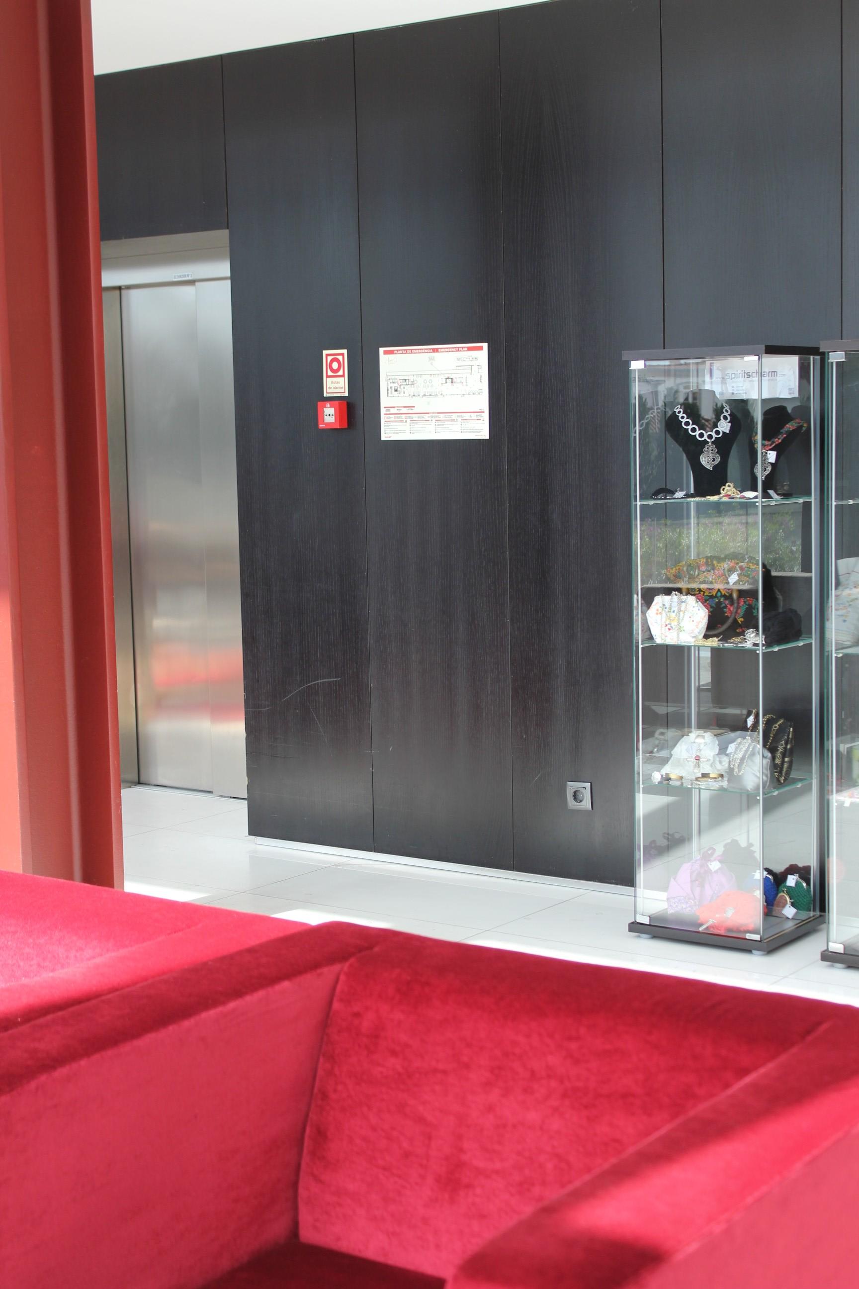 Hotel Axis Viana - Expositor 1