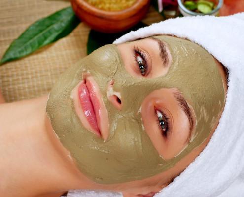 طرز تهیه ماسک صورت خانگی برای درمان جوش و آکنه با اسپیرولینا