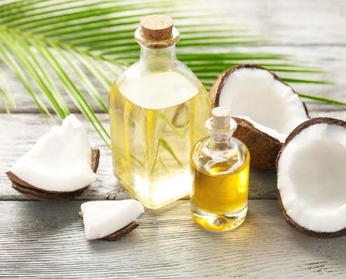 6 کاربرد روغن نارگیل در مشکلات پوست و مو برای خانم های جوان