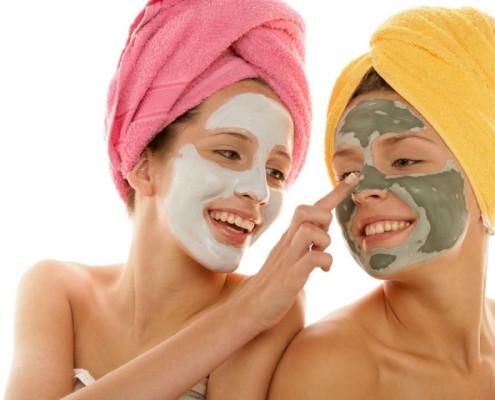 ماسک صورت خانگی برای مراقبت از پوست صورت با اسپیرولینا
