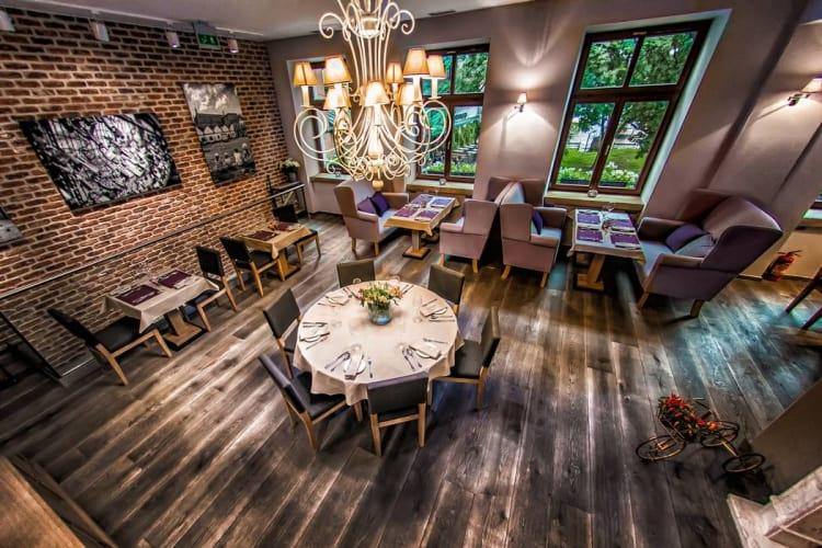 miodova-restaurant-sala-na-pietrze 2