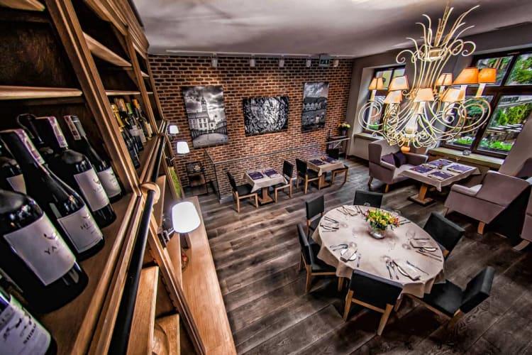miodova-restaurant-sala-na-pietrze 3