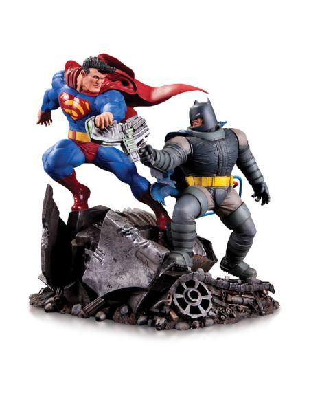 DC Comics Batman Vs Superman Mini Battle Statue