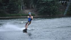 kinderen Waterskicentrum De Vossemeren Wakeboarden