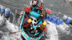 Provincie Limburg Rafting & Outdoor Rafting op de wildwaterpiste in arras noord frankrijk
