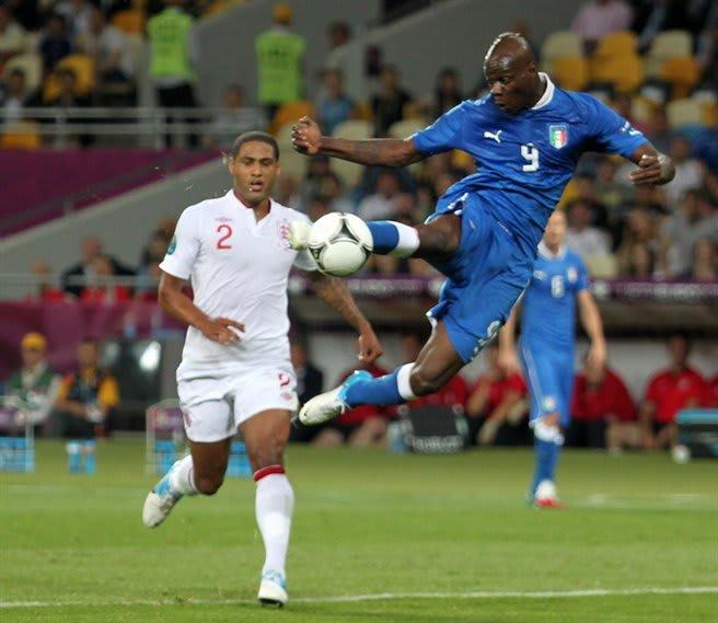 balotelli goal, italy national team