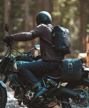 motorcycle backpack with back protector