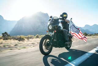 Mounting a Big Flag on Motorcycle Easily