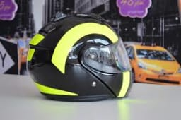 Free Images : wheel, vehicle, clothing, yellow, headgear, style, wrapping,  model car, motorcycle helmet, automotive design, personal protective  equipment 4928x3264 - - 622343 - Free stock photos - PxHere