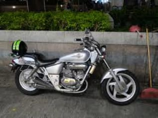 File:Classical sliver motorcycle.jpg - Wikimedia Commons