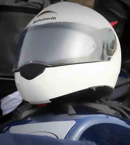 stop helmet visor fogging up