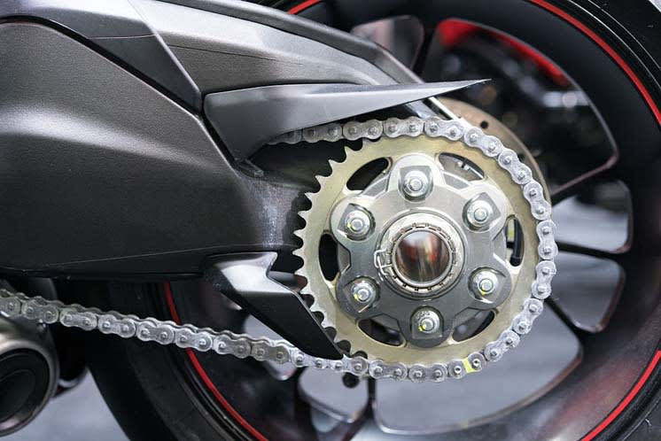 how long does a motorcycle chain last