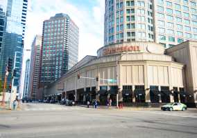 sheraton grand chicago parking reserve save spothero. Black Bedroom Furniture Sets. Home Design Ideas