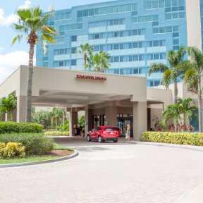 Photo of Orlando Renaissance Orlando Airport Hotel Valet Parking