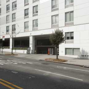 Photo of Queens SpringHill Suites Valet