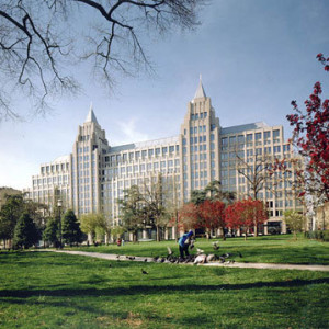 One Franklin Square Reserve Amp Save On Guaranteed Parking
