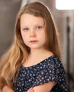 ISLA DELL by On Point Headshots