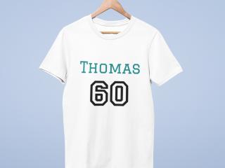 T-Shirt mit personalisiertem Design