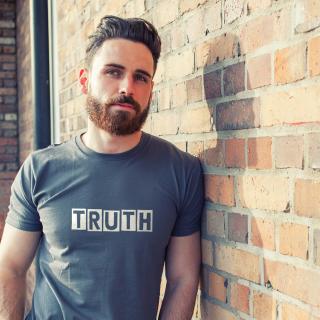 Gestalte Dein eigenes Philosophie-Shirt