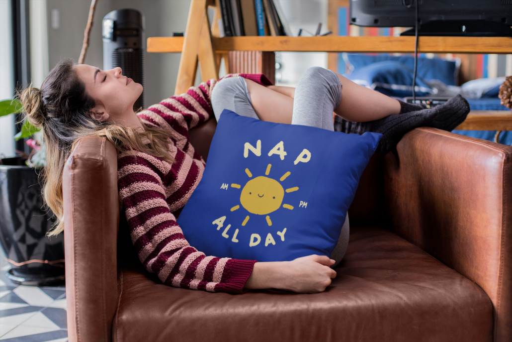 Women who is taking a nap with a personalised pillow