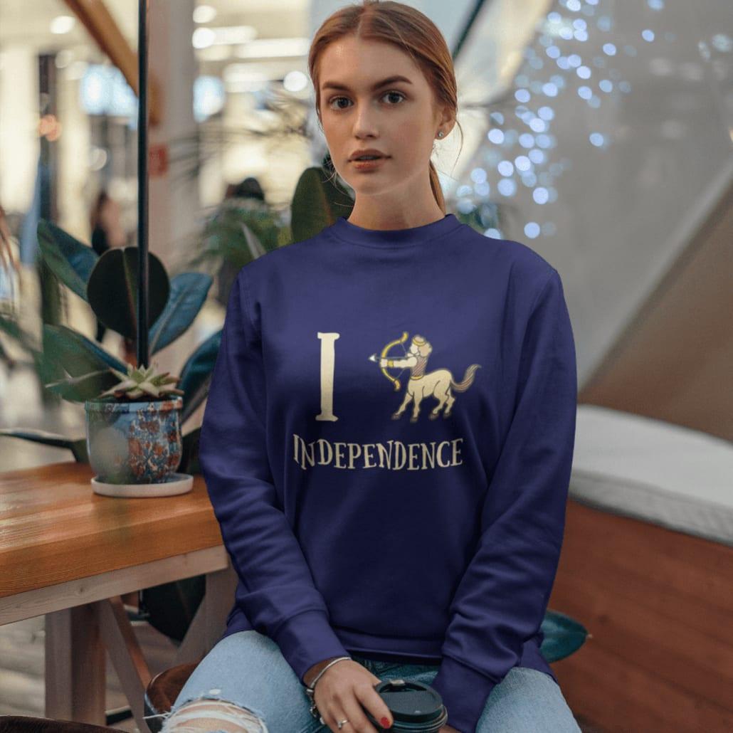 #Frau mit selbstgestaltetem Horoskop Hoodie