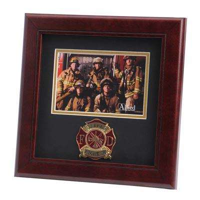 Firefighter Medallion 4-Inch by 6-Inch Landscape Picture Frame