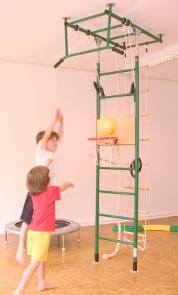 Kletterdschungel Basketballkorb und Strickleiter