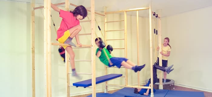 Indoor Klettergerüste für Kinder aus Holz und Metall
