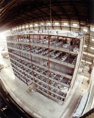 Building prepared for a fire test, constructed by the Building Research Establishment in Shed 2: photo from <em>BRE Cardington Steel Frame Fire Tests</em>