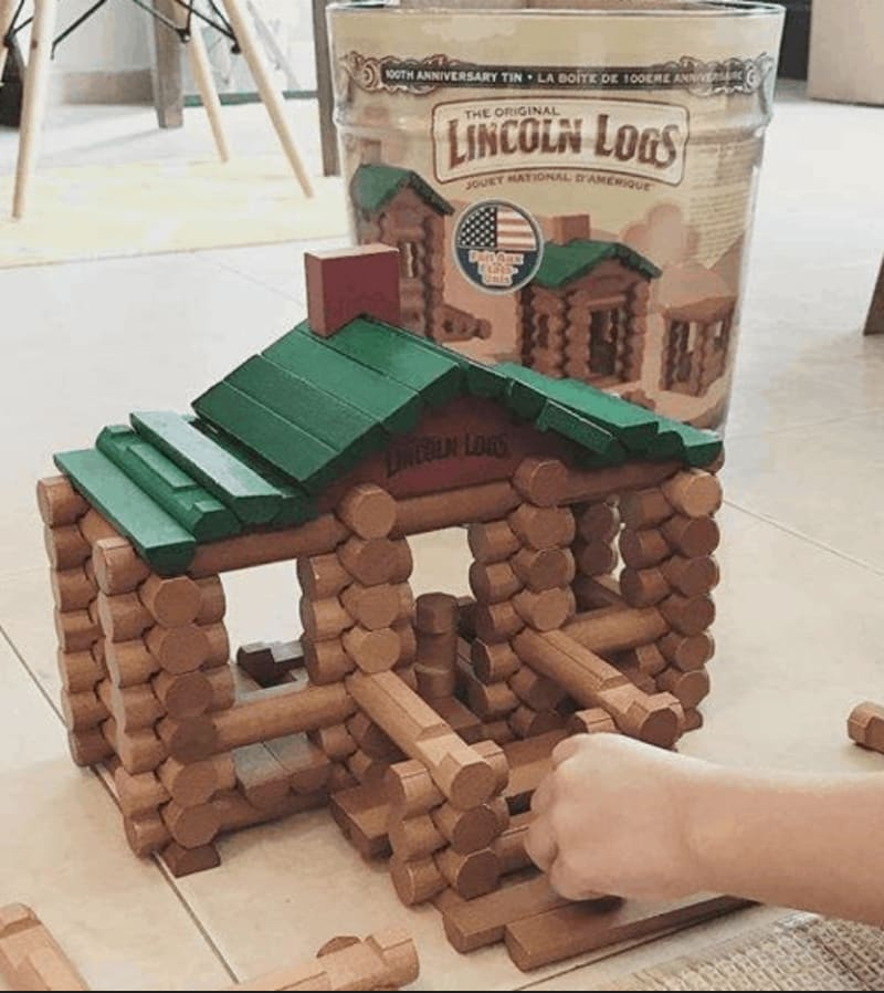 A Lincoln Logs kit