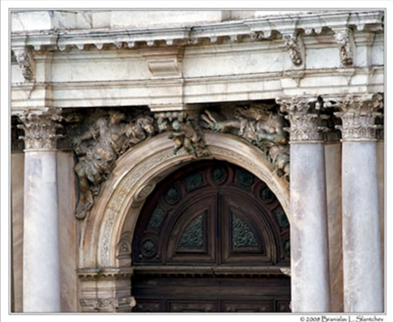 Spandrels over an arch. From Classical Addiction blog, photo by Brandon L Slatcher