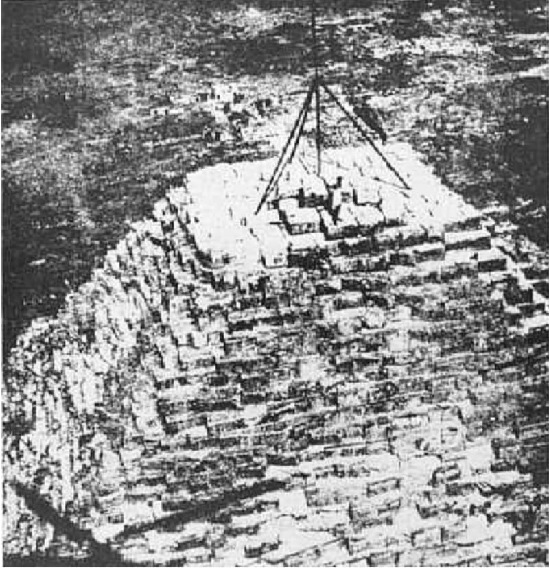 The top of the Great Pyramid from a photo in an old Italian newspaper: gizapyramid.com